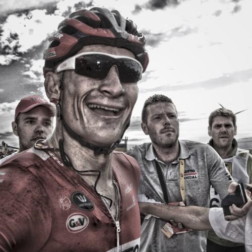"""ROT  //      FOTO IST MIT FOTOSHOP BEARBEITET  -  Etappensieger Andre GREIPEL (Deutschland / Team Lotto Soudal) - 2. Etappe Utrecht - Neeltje Jans - Tour de France 2015 - TourDeFrance - """"Tour de France"""" - TdF  - © Roth-Foto - Roth & Roth - Markus und Michael Roth - Rosenhof 15, 50226 Frechen  - www.Roth-Foto.de - Weitere Fotos in der Bilddatenbank www.Roth-Foto.de  NUR DEUTSCHLAND - *** Local Caption ***  - copyright by: ROTH-FOTO - Roth & Roth, Rosenhof 15, 50226 Frechen,  Abdruck + jede Verwendung honorarpflichtig. Honorar ist MwSt-pflichtig: + 7% MwSt. Veroeffentlichung ausschliesslich fuer journalistisch-publizistische Zwecke. Verwendung bedingt das Einverstaendniss unserer AGBs unter: www.Roth-Foto.de"""