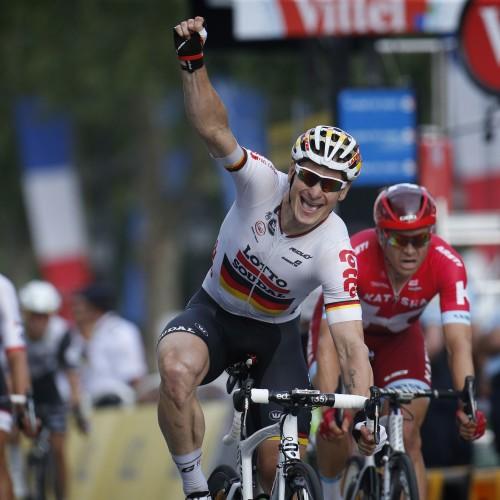 """ROT  //    Etappensieger Andre GREIPEL (Deutschland / Team Lotto Soudal)  - 21. Etappe Chantilly  - Paris Champs Elysees - Tour de France 2016 - TourDeFrance - """"Tour de France"""" - TdF  - © Roth-Foto - Roth & Roth - Markus und Michael Roth - Rosenhof 15, 50226 Frechen  - www.Roth-Foto.de - Weitere Fotos in der Bilddatenbank www.Roth-Foto.de  NUR DEUTSCHLAND - *** Local Caption ***  - copyright by: ROTH-FOTO - Roth & Roth, Rosenhof 15, 50226 Frechen,  Abdruck + jede Verwendung honorarpflichtig. Honorar ist MwSt-pflichtig: + 7% MwSt. Veroeffentlichung ausschliesslich fuer journalistisch-publizistische Zwecke. Verwendung bedingt das Einverstaendniss unserer AGBs unter: www.Roth-Foto.de"""